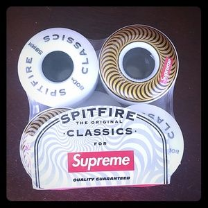 Spitfire supreme. Skateboard wheels
